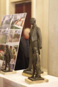 Проєкт пам'ятника Василю Сліпаку від скульптора Анатолія Гайдамаки фото3